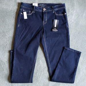 NWT Jordache Sz 10 mid rise skinny jeans